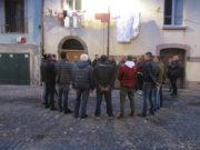 répétition du coro de bosa dans les rues de la ville